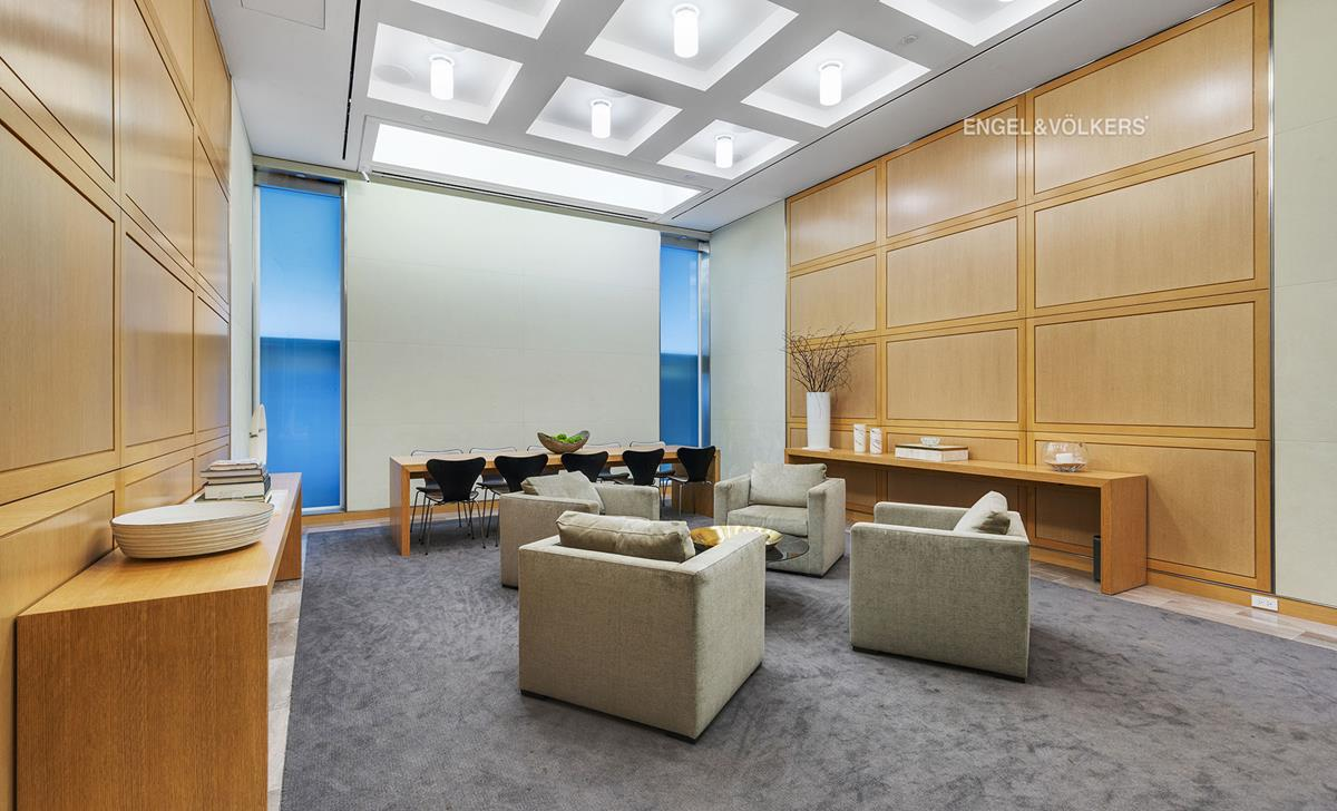 150 East 72nd Street Interior Photo