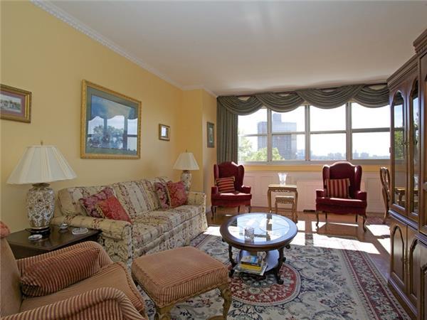 555 kappock st 2c riverdale bronx realdirect. Black Bedroom Furniture Sets. Home Design Ideas