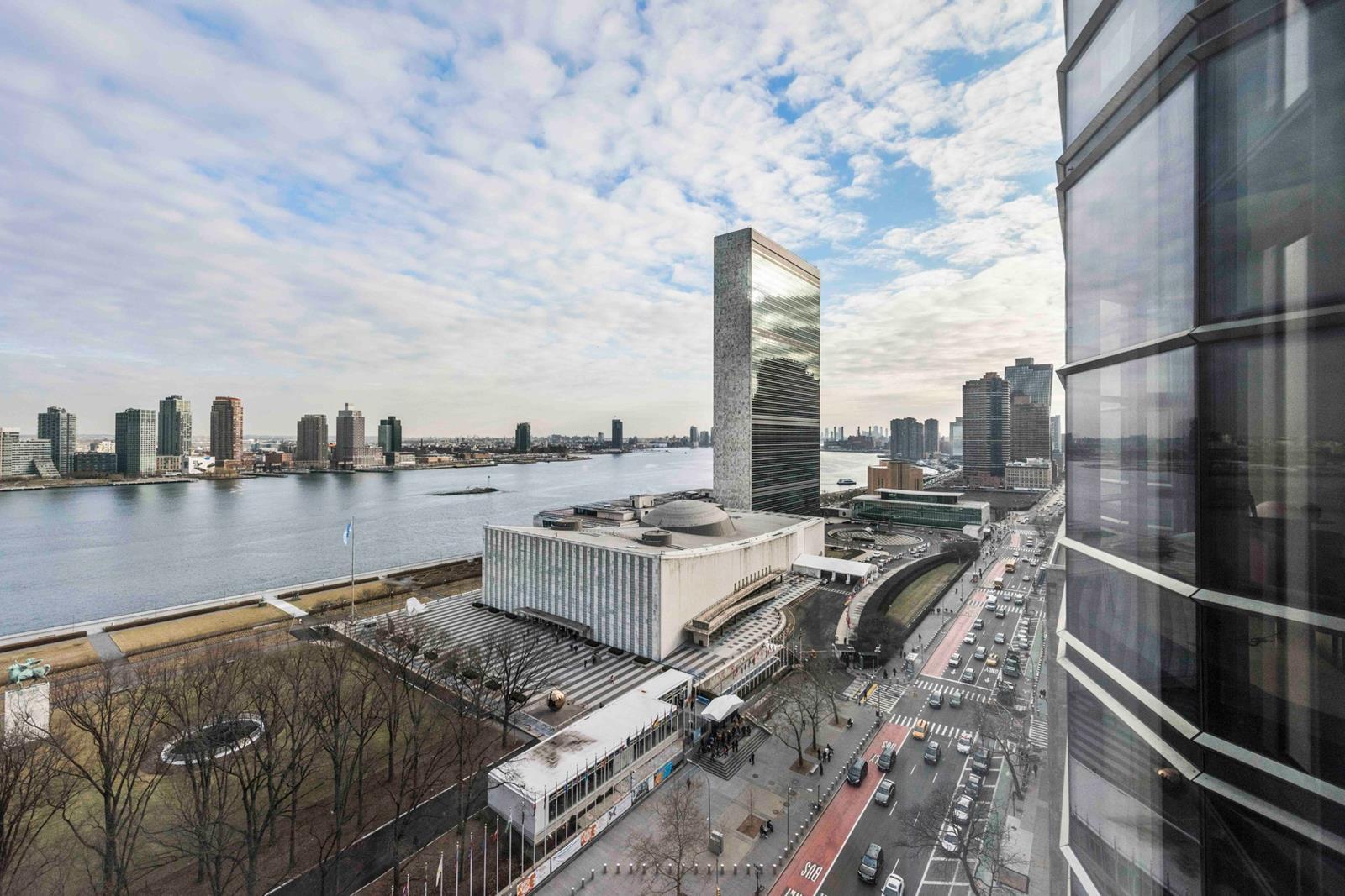 50 United Nations Plaza Interior Photo