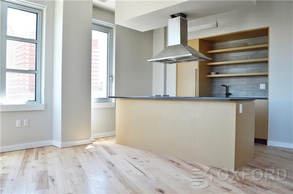 LARGE STUDIO WITH BALCONY, VIEWS, W/D IN UNIT 24 DRMN,