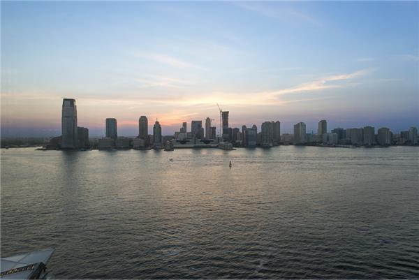 2 River Terrace - 19-20D