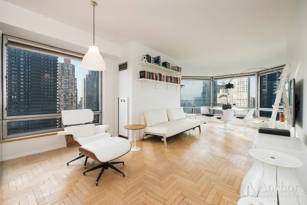 CENTRAL PARK PLACE __ UNBELIEVABLE VIEWSCorner 1 bedroom 1 bath with views 9ft ceilings. Windowed pass through kitchen with stainless steel appliances. Large corner living room with bay window facing Central Park and the Hudson River. King size bedroom with generous closet pace.Amienties Include: Courtyard. Fitness Facility. Pool. Sauna. Laundry Room On Every Floor. Housekeeping. Lounge. Party Room. Rooftop Deck. Cold Storage. Private Storage. WiFi Access. Business Center.