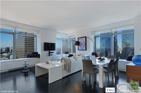 Views of 9/11 Memorial Park, Statue of Liberty, the river, city of Manhattan and beyond from every window of your residence. W Hotel & Signature WHATEVER/WHENEVER ® service and hotel amenities are available 24/7/365. David Rockwell designed Lobby