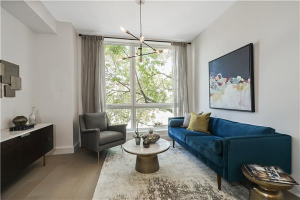 695 6th Ave 3-M