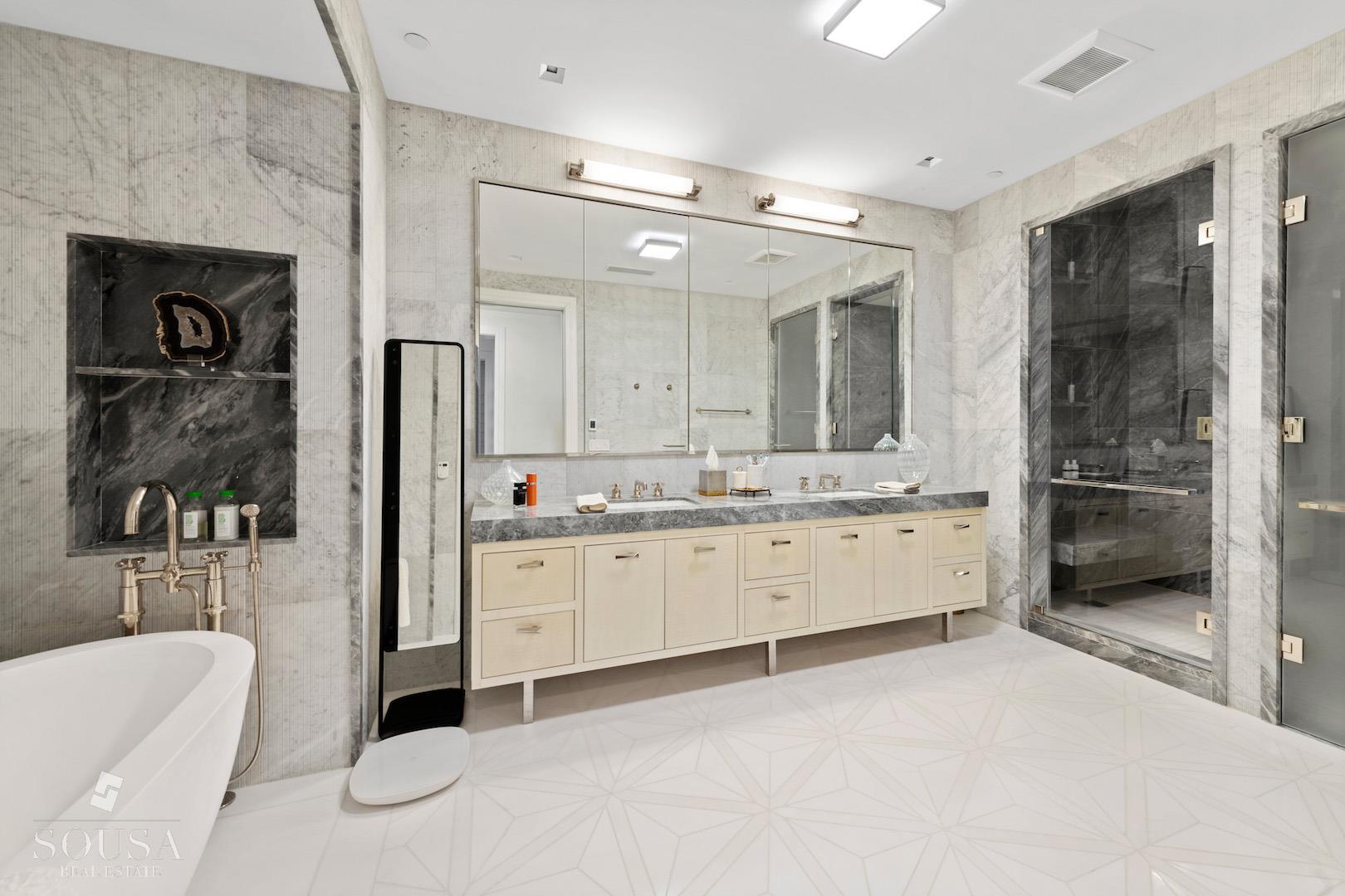 212 Fifth Avenue Interior Photo