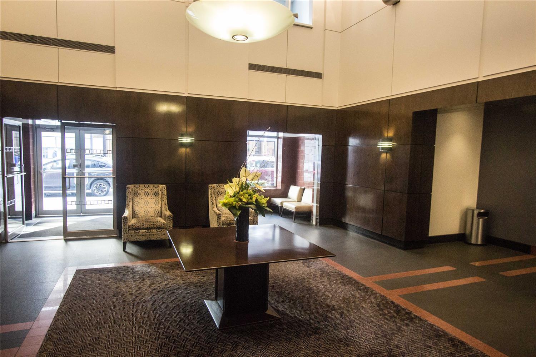 270 West 17th Street Interior Photo
