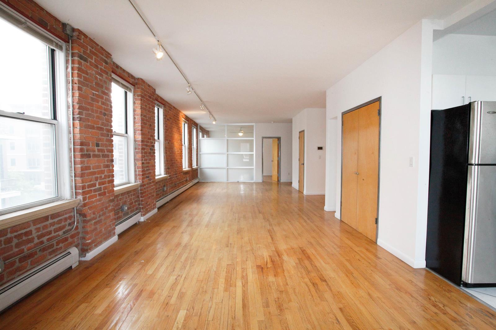 425 Keap Street, Apt 3-B, Brooklyn, New York 11211