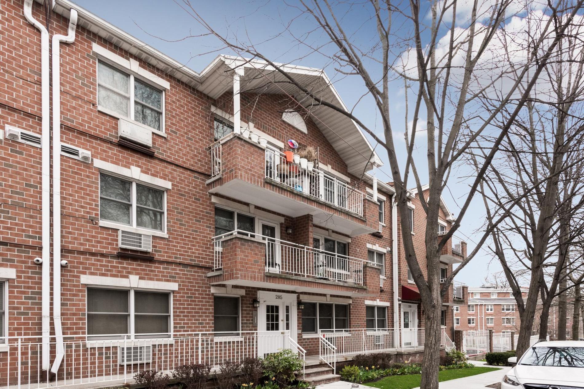 285 Windsor Pl 4, Brooklyn, NY 11218