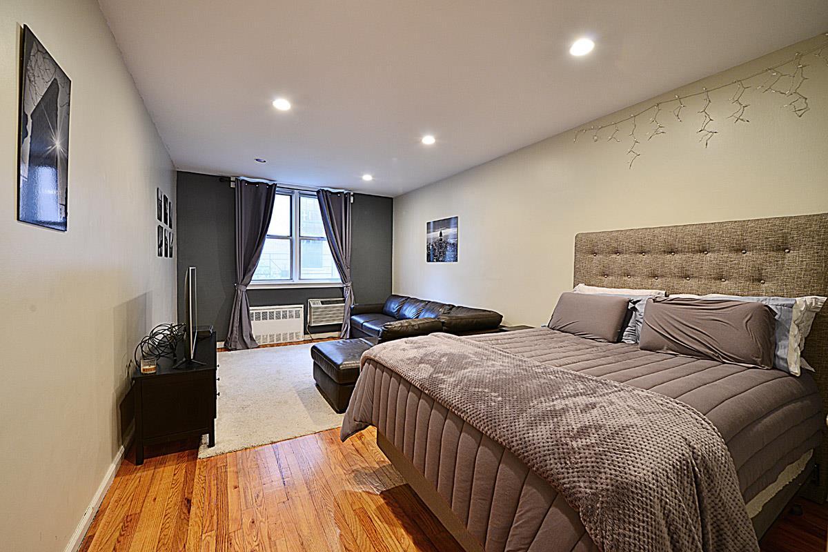 530 East 84th Street Interior Photo