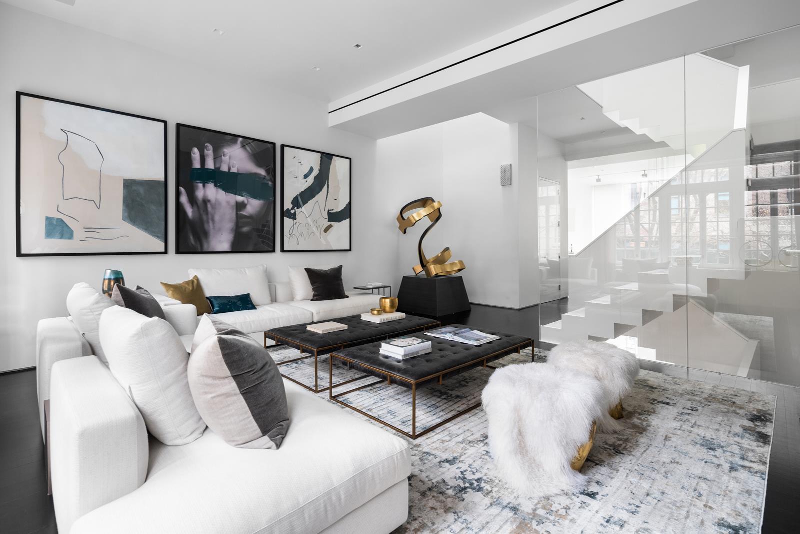 122 Waverly Place Interior Photo