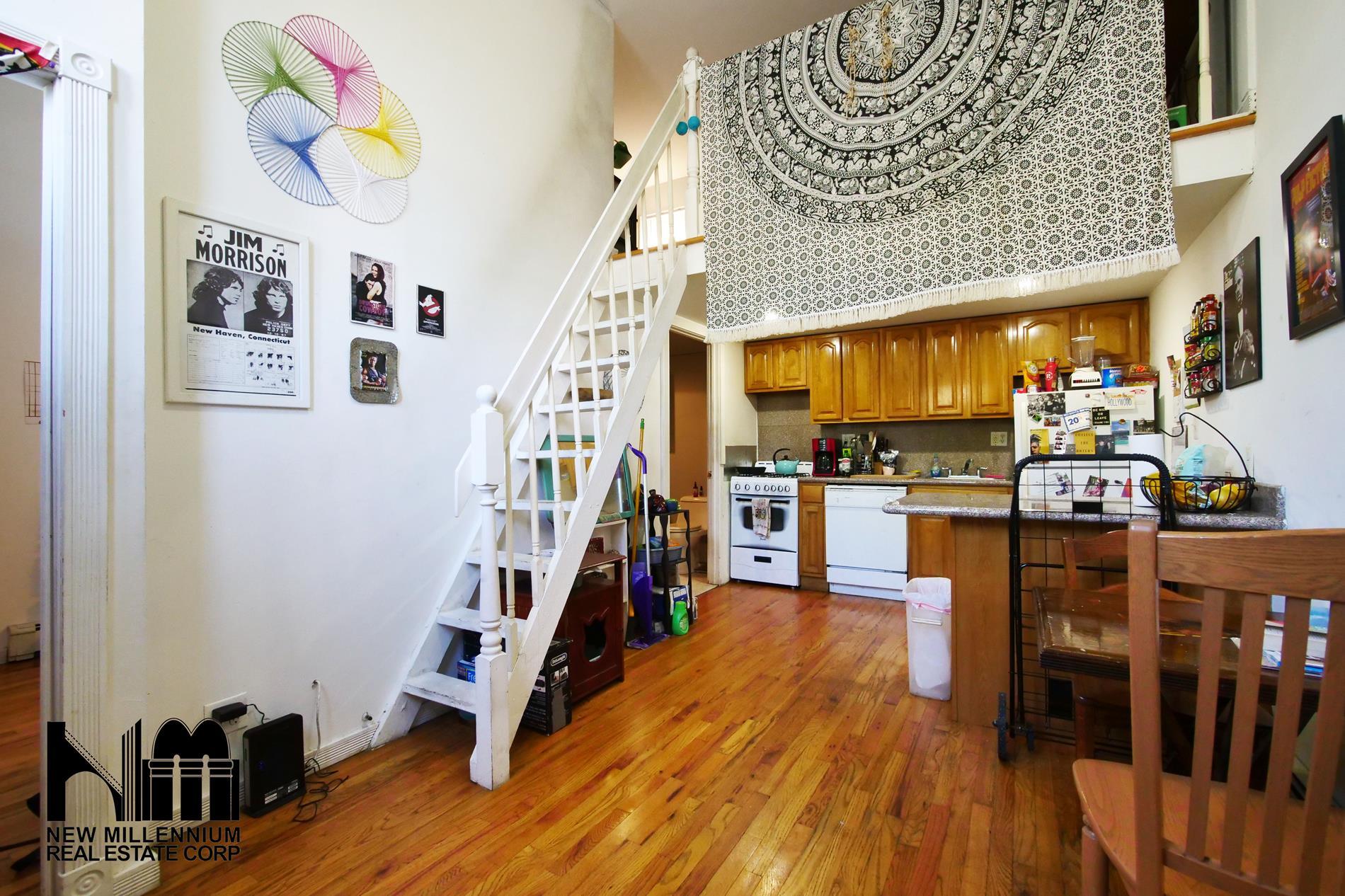 559 20th Street Interior Photo