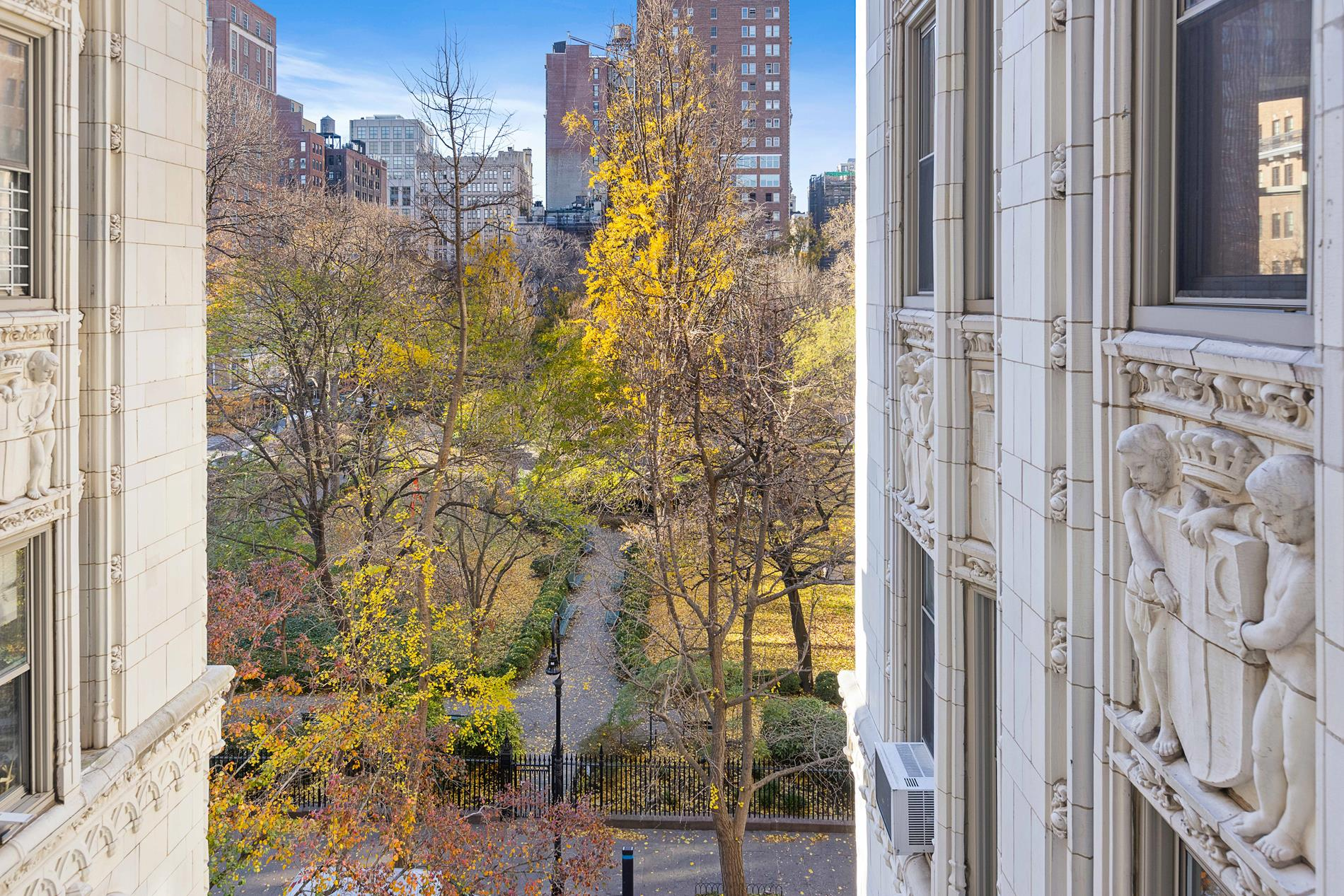 Apartment for sale at 36 Gramercy Park East, Apt 5-N