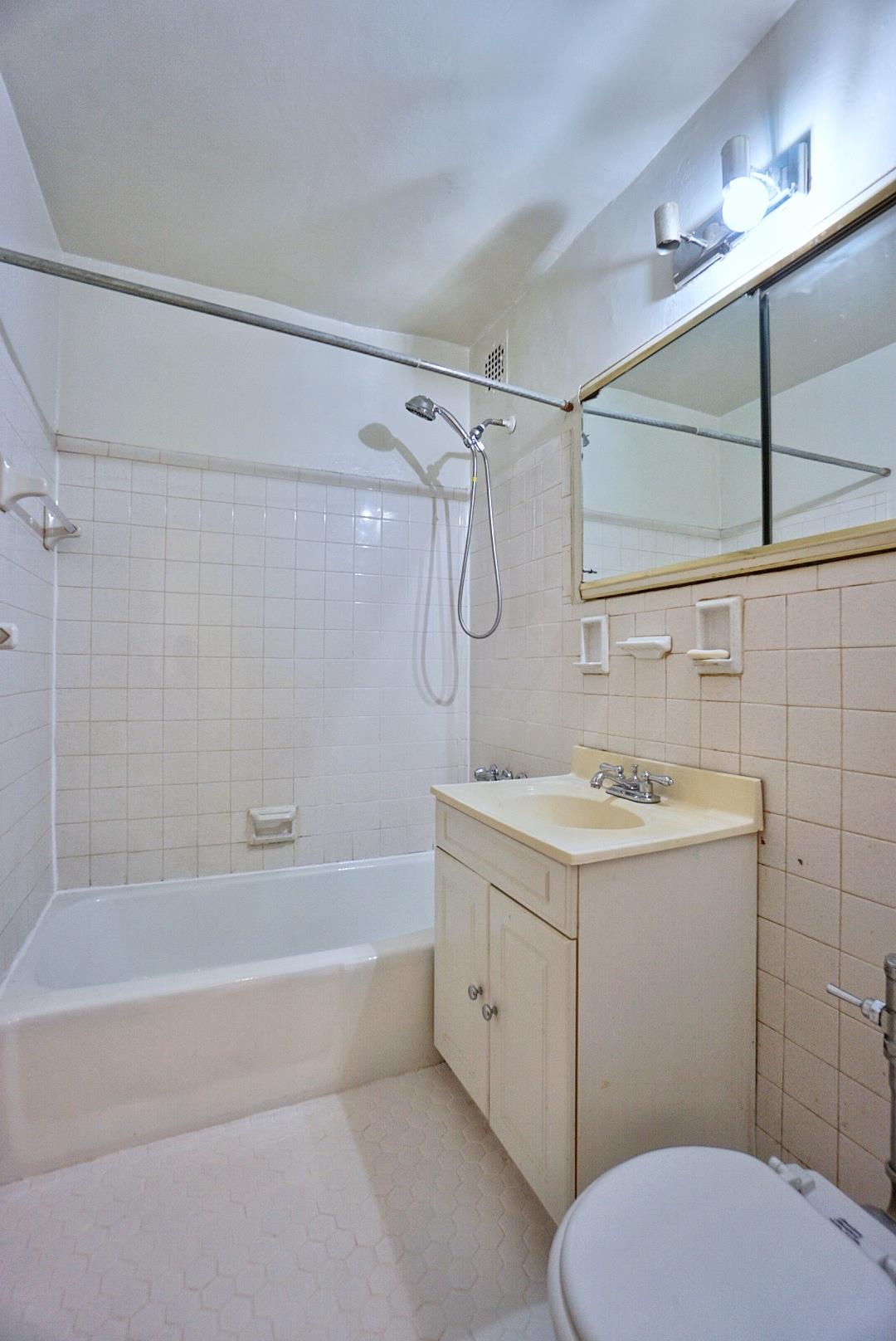 Apartment for sale at 1200 East 53rd Street, Apt 5-F