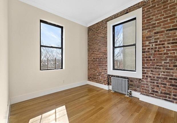 21-27 33rd Street Interior Photo
