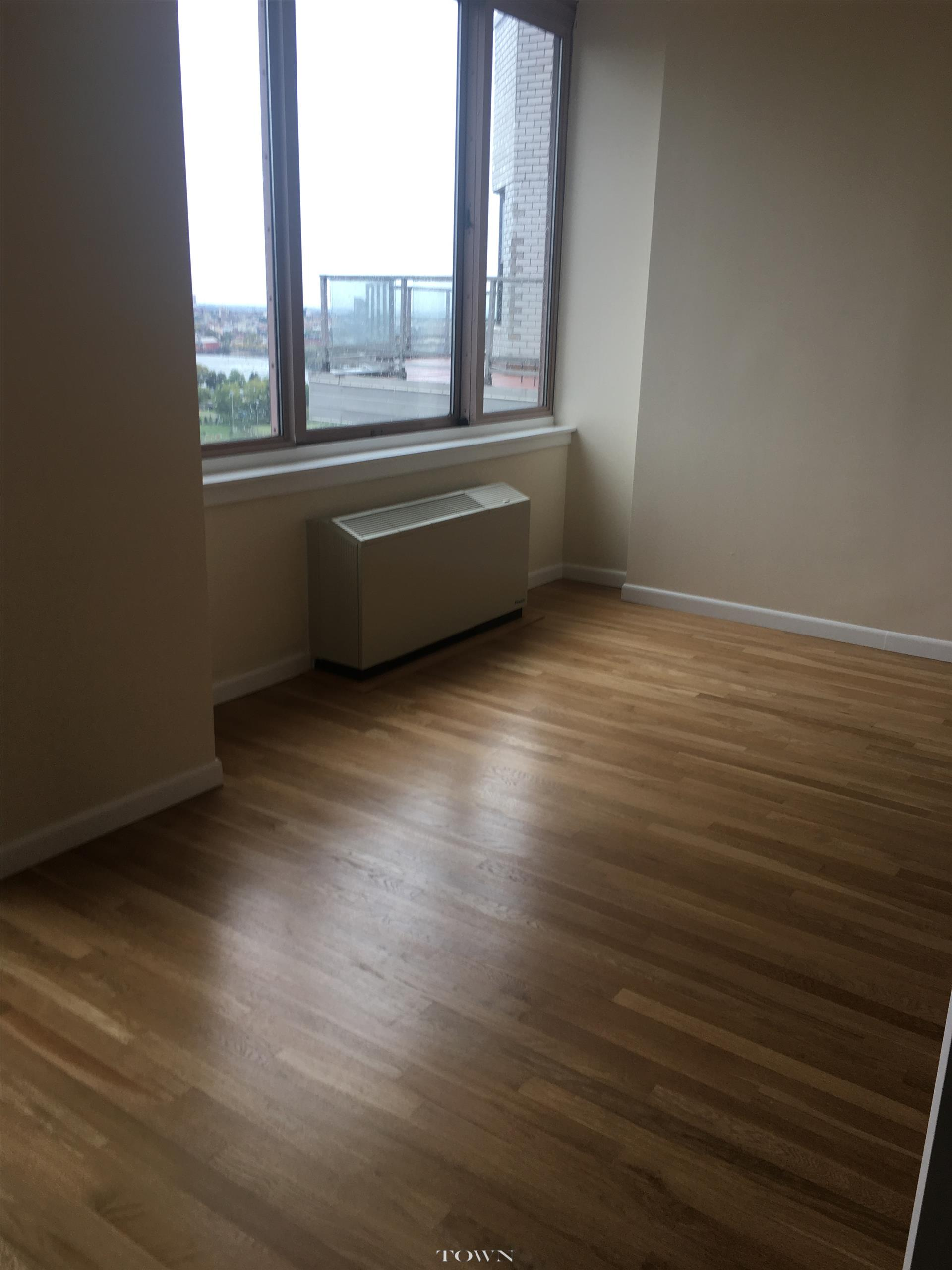 No Fee! Rare 2 BR apt in a luxury building in the UES.