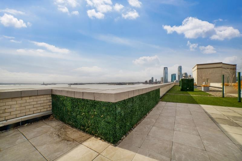 Apartment for sale at 21 South End Avenue, Apt 231