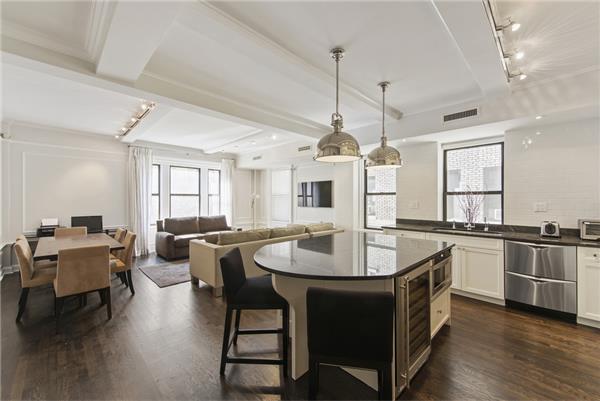 THE BARRINGTON, 203 West 81st Street, 3C - Upper West Side, New York