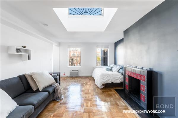87 Saint Marks Place - 4-E