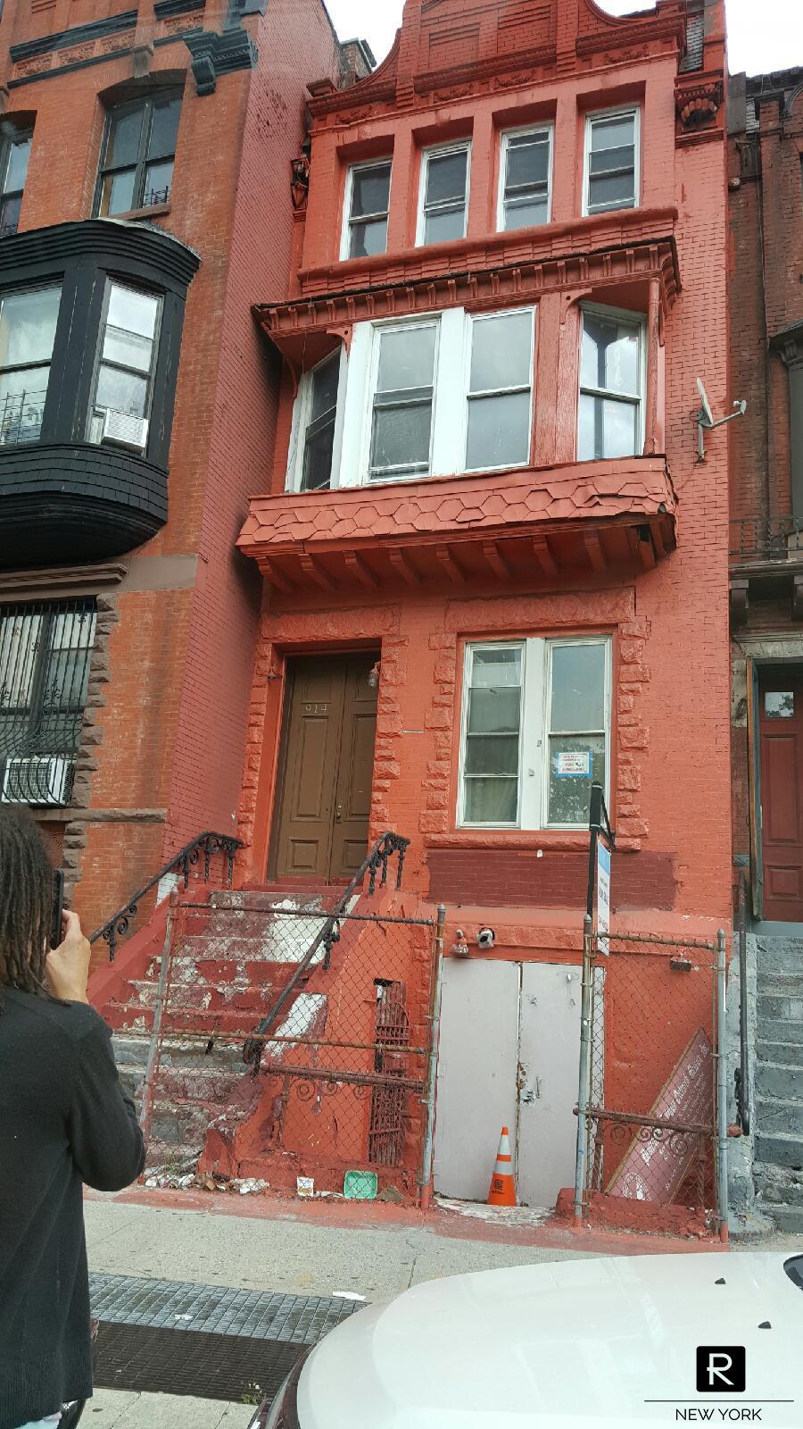 914 Saint Nicholas Avenue, Washington Heights, New York