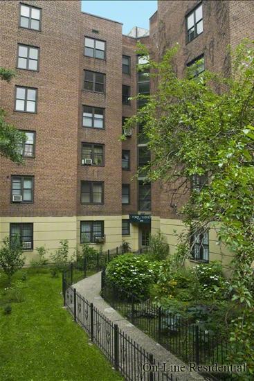273 Bennett Avenue