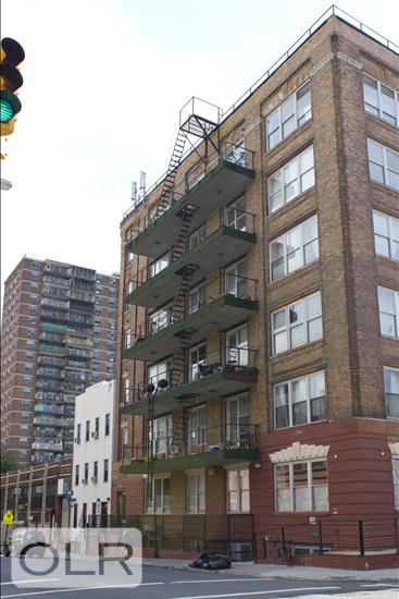 347 Lorimer Street