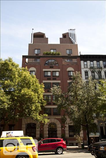 196 Sixth Avenue