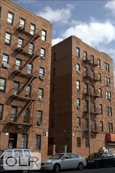 521 Isham Street