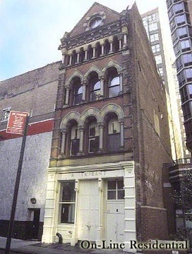 8 Thomas Street