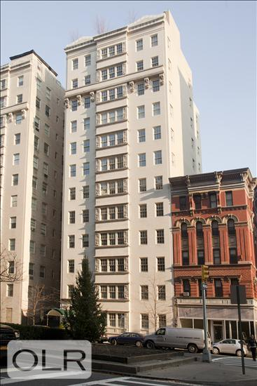 823 Park Avenue
