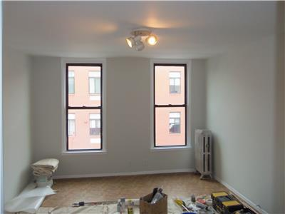 Additional photo for property listing at Jewel St two bedroom - NO FEE Jewel St two bedroom - NO FEE Brooklyn, New York 11222 United States