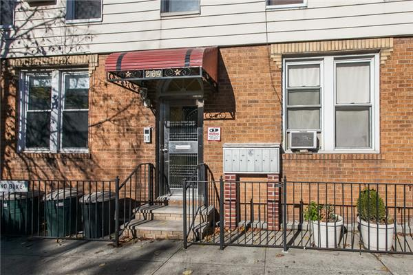 Additional photo for property listing at 264 Driggs Avenue  Brooklyn, New York 11222 United States