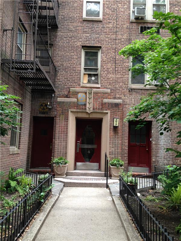 Additional photo for property listing at 48-17 42 Street Apt. 3B Sunnyside, NY 11104  Queens, New York 11104 United States