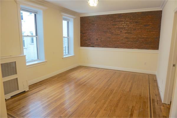 独户住宅 为 出租 在 Two Bedroom Apt in PK Slope near Prospect Park and Transportation 布鲁克林, 纽约州 11215 美国