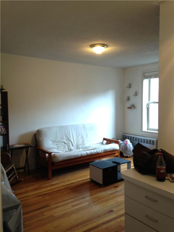 Additional photo for property listing at 43-10 48th Avenue  Queens, 纽约州 11377 美国