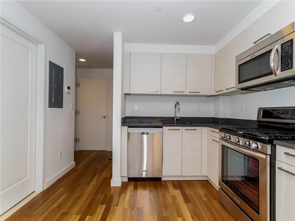 Additional photo for property listing at The Milana Condominium  Queens, Nueva York 11375 Estados Unidos