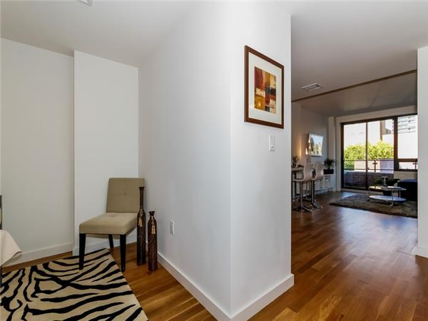 Additional photo for property listing at The Milana Condominium  Forest Hills, Nueva York 11375 Estados Unidos