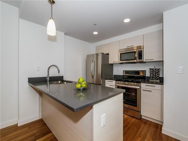 Additional photo for property listing at The Milana Condominium  Queens, New York 11375 United States
