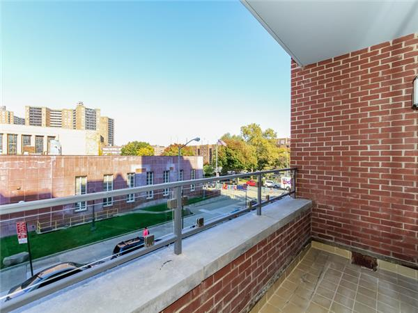 Additional photo for property listing at 106-20 70th Avenue 106-20 70th Avenue Queens, Nueva York 11375 Estados Unidos
