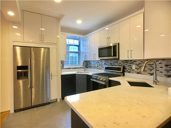Additional photo for property listing at 1240 East 7th Street  布鲁克林, 纽约州 11230 美国
