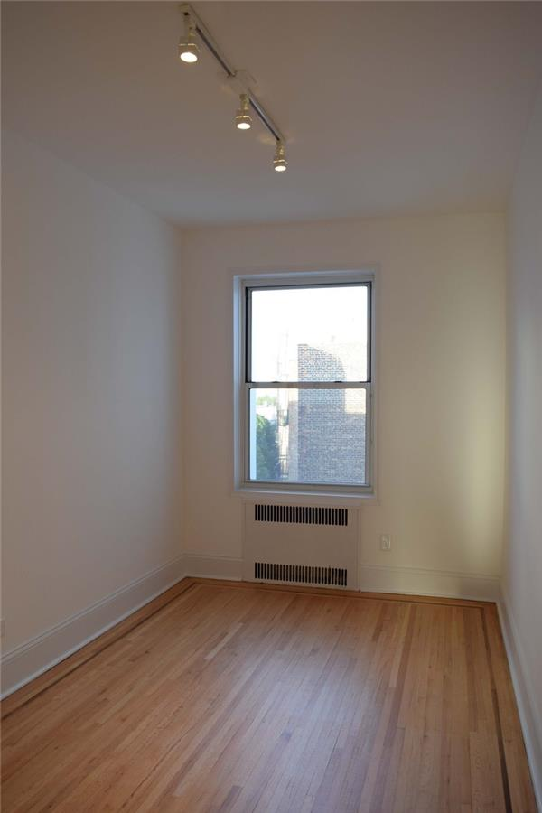 Additional photo for property listing at 60 Plaza Street East #6F 60 Plaza Street East #6F Brooklyn, New York 11238 United States