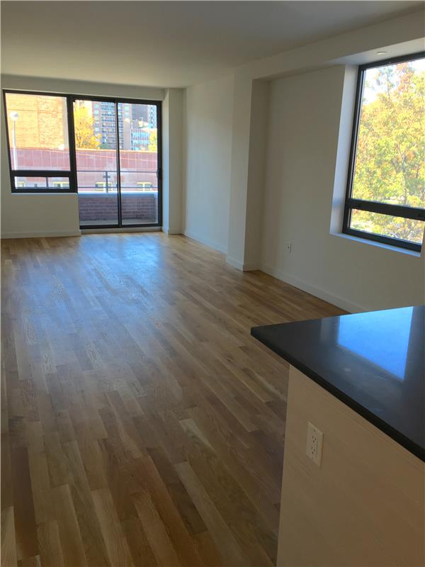 Additional photo for property listing at 106-20 70th Avenue 106-20 70th Avenue Queens, New York 11375 United States