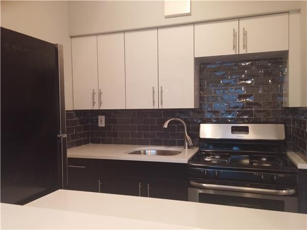 Additional photo for property listing at 910 Gates Avenue, Brooklyn, NY  Brooklyn, Nueva York 11221 Estados Unidos