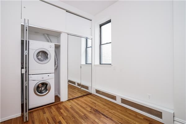 Additional photo for property listing at 64 7th Avenue Apt #4I 64 7th Avenue Apt #4I Brooklyn, New York 11217 United States