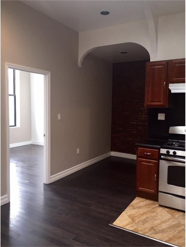 Single Family Home for Rent at 926 Fulton Avenue - Apt 3 926 Fulton Avenue - Apt 3 Brooklyn, New York 11238 United States