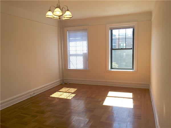 Additional photo for property listing at 585 3rd Street - 3B  Brooklyn, New York 11215 United States