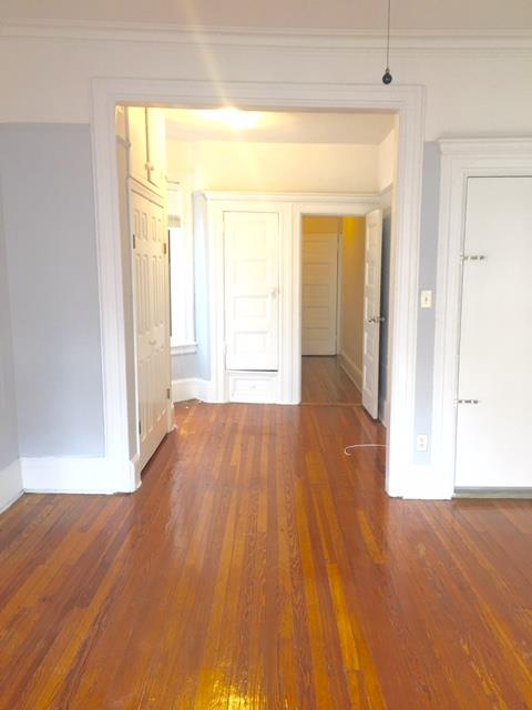 Additional photo for property listing at Two Bed with Office Space in Park Slope nr Park Transportation  Brooklyn, New York 11215 United States