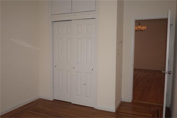 Additional photo for property listing at Two Bedroom Apt in Pk Slope Near Park and Transportation  Brooklyn, New York 11215 United States