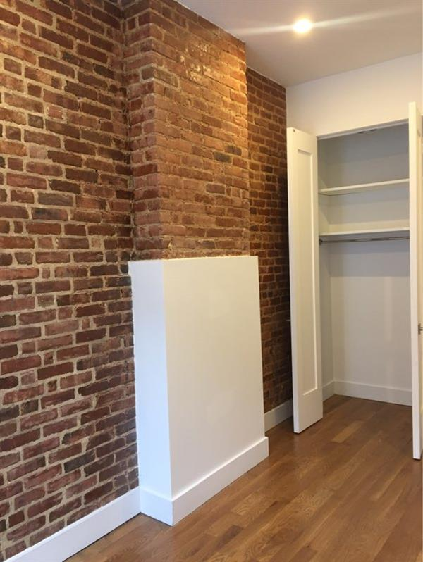 Additional photo for property listing at Bright and Spacious renovated 3 Bedroom in Bed-Stuy  Brooklyn, New York 11233 United States