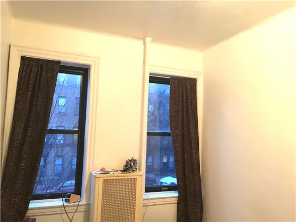 Additional photo for property listing at 874 43rd Street  Brooklyn, Nueva York 11232 Estados Unidos