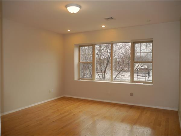 Additional photo for property listing at Renovated, spacious 4 bedroom duplex, Midwood Brooklyn  Brooklyn, New York 11230 United States